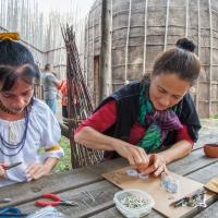 Atelier de bijou à la maison longue